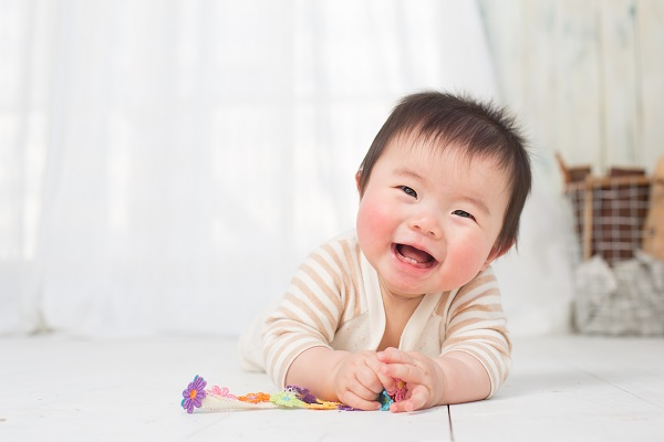 981 The aroma gives a cheerful baby 01